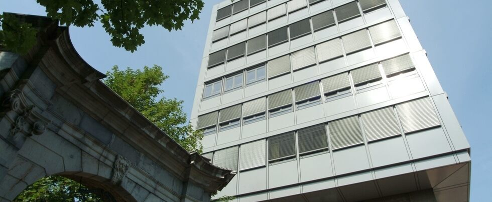 Building of the School of Business and Economics